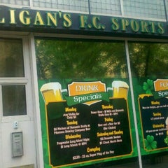 Photo taken at Hooligan's Sports Bar by Rich S. on 7/11/2012