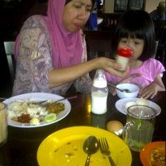 Photo taken at kedai makan bamboo by Al-ain N. on 5/27/2012