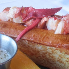 Photo taken at 2012 Tasting Table Lobster Roll Rumble by Tasting Table on 6/5/2012