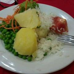 Photo taken at Gourmet da Redenção by Rafael S. on 4/16/2012
