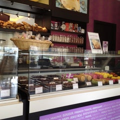 Photo taken at Pascal Tepper French Bakery - Meilleur Ouvrier de France by Asim Q. on 7/18/2012