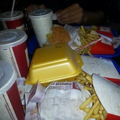 Photo taken at Burger King by Göksel C. on 9/11/2012