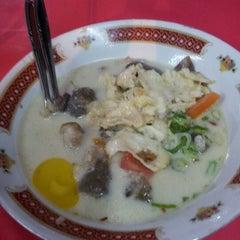Photo taken at Sop kambing Tiga saudara by Leonardus T. on 3/11/2012