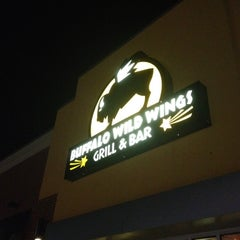 Photo taken at Buffalo Wild Wings by sneakerpimp on 3/14/2012