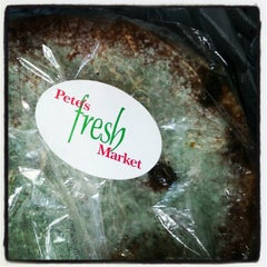 Photo taken at Pete's Fresh Market by Elanie Mae on 5/16/2012