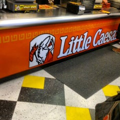 Photo taken at Little Caesars Pizza by Kevin K. on 8/20/2012