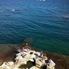 Photo taken at Scoglione a Marechiaro by Valery on 8/12/2012