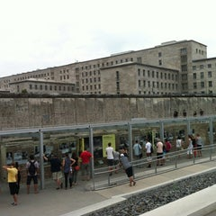 Photo taken at Baudenkmal Berliner Mauer   Berlin Wall Monument by Pedro T. on 8/21/2012