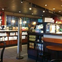 Photo taken at Starbucks by Kefas on 9/12/2012