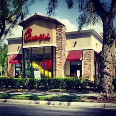 Photo taken at Chick-fil-A by Garret S. on 8/17/2012