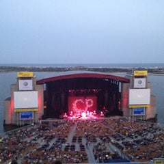 Photo taken at Nikon at Jones Beach Theater by Antonio d. on 9/1/2012