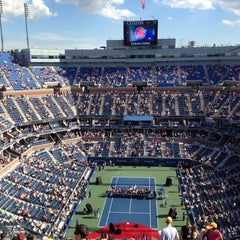 Foto tomada en Arthur Ashe Stadium - USTA Billie Jean King National Tennis Center  por Cody B. el 9/9/2012