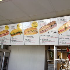 Photo taken at PHO Banh Mi & Che Cali by Mikey L. on 4/10/2012