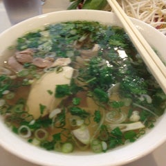 Photo taken at Pho 75 by Jee S. on 3/8/2012
