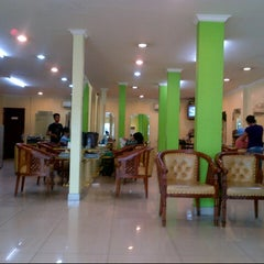 Photo taken at Evergreen Salon by siamy p. on 7/20/2012
