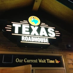 Photo taken at Texas Roadhouse by Jason H. on 8/28/2012