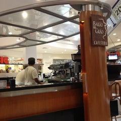 Photo taken at Barão do Grão Cafeteria by Gabriel A. on 5/1/2012