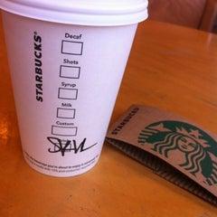 Photo taken at Starbucks by Jailyne Abigael on 7/27/2012