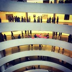 Photo taken at Solomon R. Guggenheim Museum by oscar r. on 8/14/2012