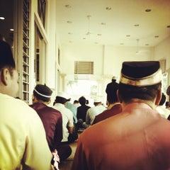Photo taken at Masjid Al Najihin (مسجد الناجيهين) by Hafeez A. on 8/19/2012