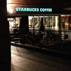 Photo taken at Starbucks Coffee 大阪ガーデンシティ店 by Hiro C. on 6/26/2012
