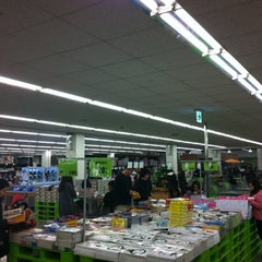 Photo taken at 이마트 트레이더스 (E-mart Traders) by Wade W. on 3/3/2012