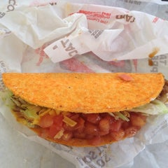 Photo taken at Taco Bell by Gigi on 7/12/2012