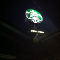 Photo taken at Starbucks by Ceci R. on 7/29/2012