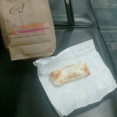 Photo taken at Dunkin' Donuts by Chuck M. on 7/10/2012