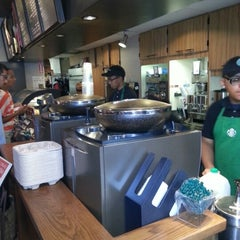 Photo taken at Starbucks by Jérôme M. on 8/13/2012