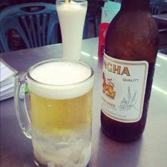 Photo taken at ร้านยำเสนา by Timmy~😻😘✌ on 8/13/2012