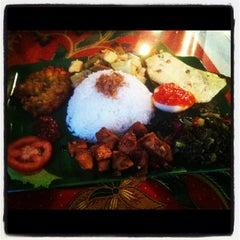 Photo taken at Joko's Indonesian Kitchen by Stephen F. on 4/29/2012
