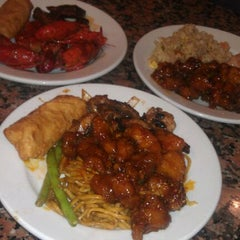 Photo taken at Chow Tyme Grill & Buffet by Joey S. on 3/13/2012