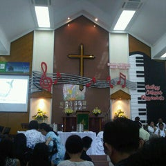 Photo taken at Gereja Kristen Indonesia (GKI) Ngagel by Melinda G. on 7/15/2012
