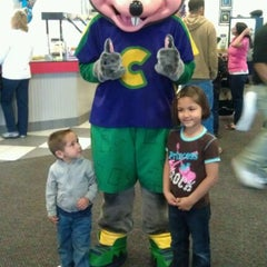Photo taken at Chuck E. Cheese's by Heather F. on 4/6/2012