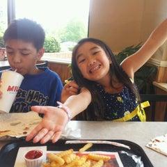 Photo taken at Milo's Hamburgers by Lisa N. on 8/25/2012