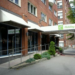 Photo taken at Holiday Inn Tampere - Central Station by Tomi H. on 7/5/2012