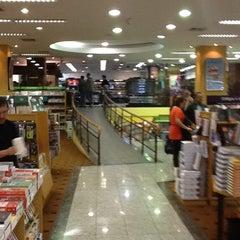 Photo taken at Saraiva Megastore by Raul C. on 3/29/2012