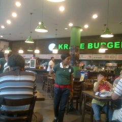 Photo taken at Kraze Burgers by Xin Yan C. on 8/11/2012