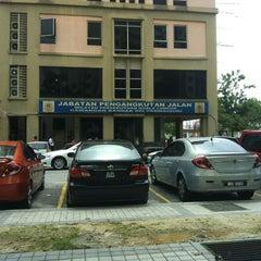 Photo taken at Jabatan Pengangkutan Jalan (JPJ) by Azri A. on 5/7/2012