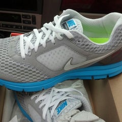 Photo taken at Nike Factory Store by Jujufine on 7/13/2012