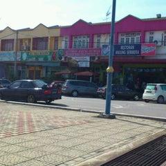 Photo taken at Restoran Anjung Seri by Samsul N. on 2/5/2012