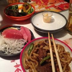 Photo taken at Yo! Sushi by Kristoffer O. on 7/13/2012