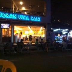 Photo taken at Restoran Uma Rani by Zii F. on 5/21/2012