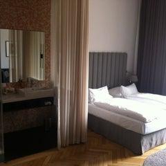 Das Foto wurde bei Altstadt Vienna von Dominique P. am 4/17/2012 aufgenommen