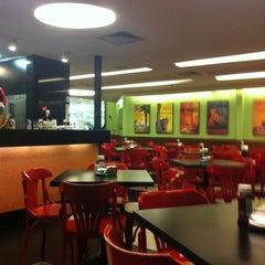 Photo taken at Eddie Fine Burgers by Marcio S. on 7/7/2012