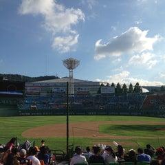 Photo taken at 사직야구장 (Sajik Baseball Stadium) by Pung Yeon C. on 8/26/2012