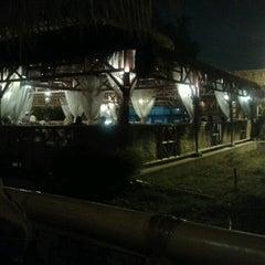 Photo taken at Restoran Istana Bambu by Azali A. on 6/14/2012