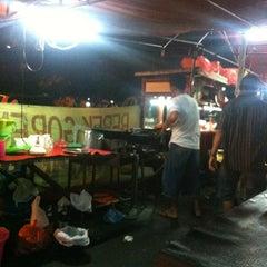 Photo taken at Bebek Papin by Fajar a. on 9/13/2012