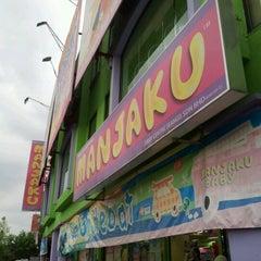 Photo taken at Manjaku Baby Centre by kinn_cain on 3/17/2012